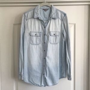 Chambray Double Pocket Button Down